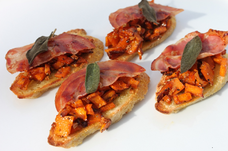 Carmelized Squash Crostini1