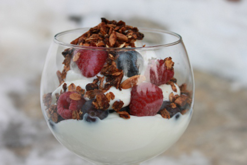 Yogurt Parfait With Granola Topping2